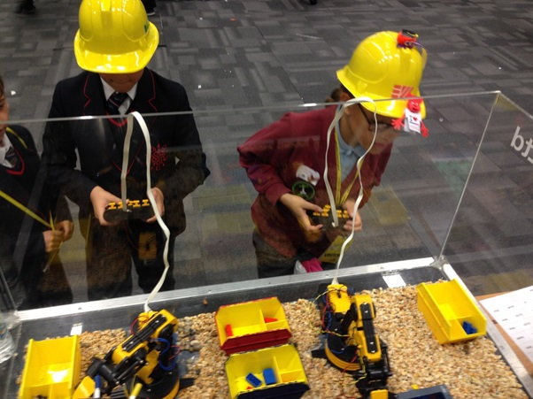 Nuclear waste crane challenge at Lancashire Science Festival 2016